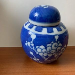 Jar China Flower blue white pottery